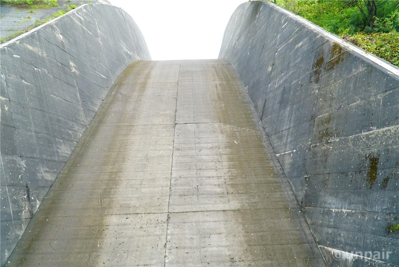 二居ダム洪水吐