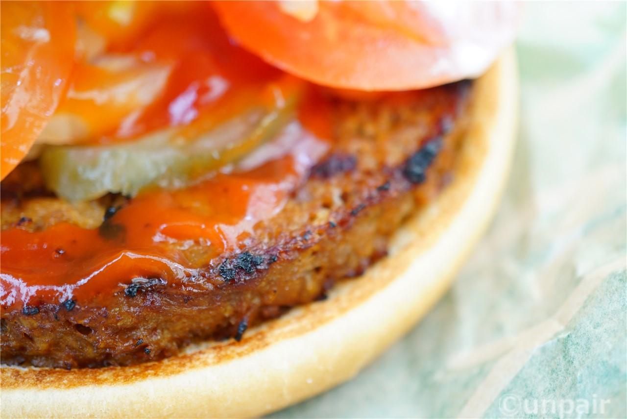 フェイクミートのハンバーガー